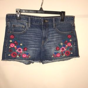 Gap jean embroidered shorts